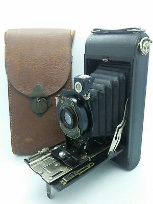 VINTAGE No.1A Pocket KODAK Folding  film camera circa 1921 w/Kodak leather case