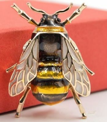 Very Realistic Bumble Bee Brooch Jewelry Insect Black Gold lapel Pin Broach Gift