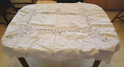 """Vintage 46"""" x 62"""" White Lace Pattern Tablecloth SIMPLE & CLASSY"""