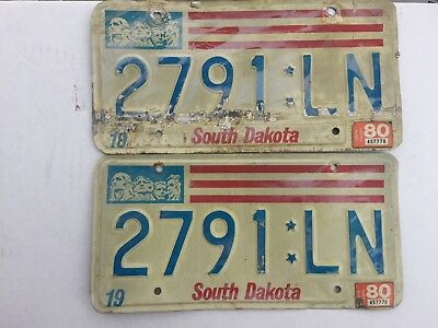 1980 South Dakota Lincoln county  matched pair   license plates