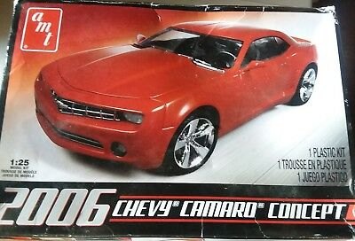 2006 Chevy Camaro Concept Coupe AMT Model Kit 1:25 Scale