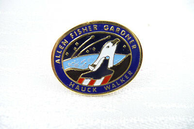 Rare Vintage Boxed NASA Space Shuttle Lapel Pin Discovery Mission 11th Aug 1984