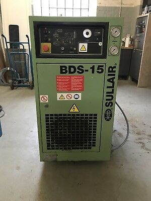 screw compressor with dryer and tank