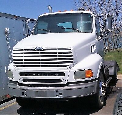 Genuine Sterling 9500 / A9500 Single Axle Day Cab  / Construction Hauler