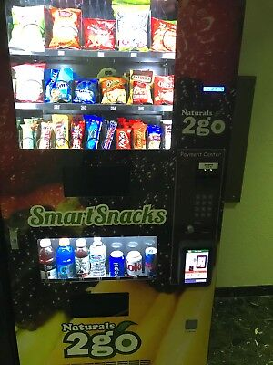 Seaga N2G400 Combo Vending Machine with Credit Card Reader and Touchscreen!