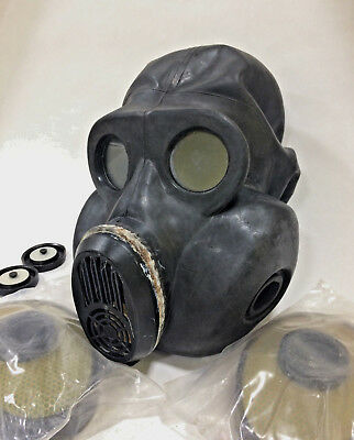 black rubber gas mask PBF EO-19
