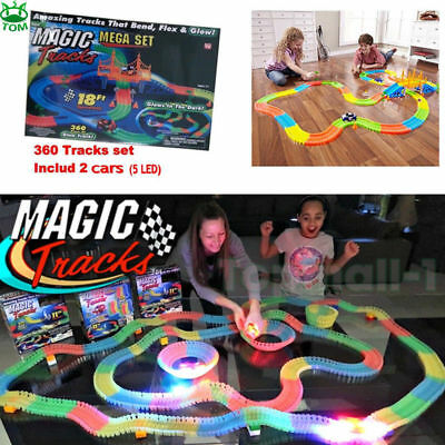 MAGIC TRACKS 360PCS Rennbahn leuchtet im Dunkeln RACE CAR Bend Flex Racetrack