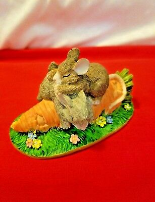 Charming Tails Silvestri Resin Bunny And Mice Carrot Figurine
