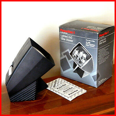 VINTAGE PANA-VUE1 SLIDE VIEWER, LIGHTED 2 x 2. BY VIEW MASTER.IN EXCELLENT COND.