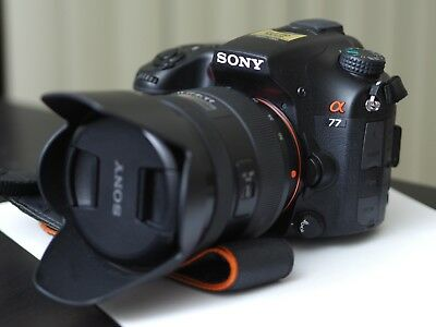 Sony Alpha a77 DSLR Camera with 16-50mm f/2.8 DT Lens Kit (Low shutter count)