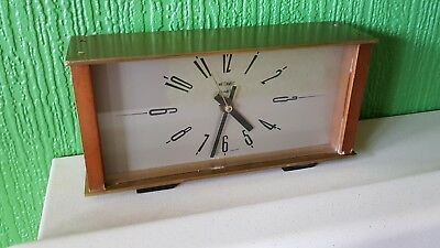 Mid-century METAMEC mantel mantle clock 60s 70s retro vintage wood panel metal