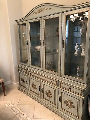 French Provincial furniture Cabinet Hutch breakfront dining room living room OBO