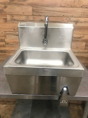 """Advance Tabco 7-PS-62 Hands Free Hand Sink with Knee Operated Valve - 17 1/4"""""""