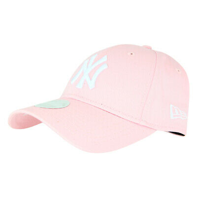 New Era Womens New York Yankees 940 Strapback Cap - Pink