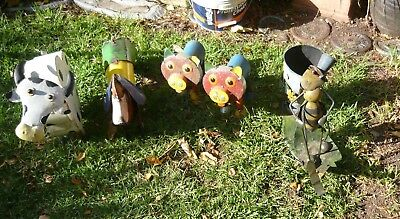 Collection of 5 vintage tame tin garden animals in very good condition