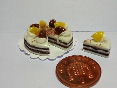 1:12 Scale Sliced Cake  Dolls House Miniature Accessory   N1