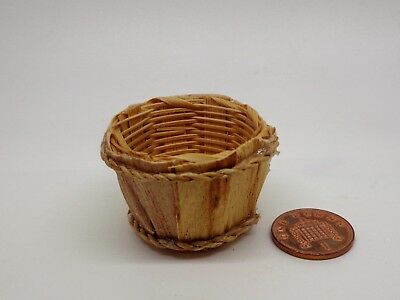 1:12 Scale Bamboo Basket Dolls House Miniature Basket Accessory