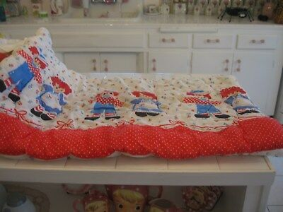 Adorable Vintage Raggedy Ann and Andy's Zippered Baby Quilt Coverlet