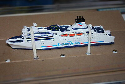 MV Normandie Britanny Ferry detailed 1250 scale model from Mountford