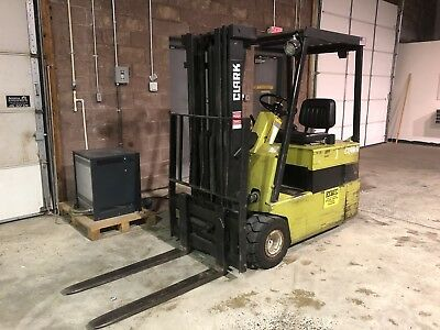 """Clark TM17 Electric Forklift Side Shifter 3500lb Capacity 188"""" Lift w/ Charger"""