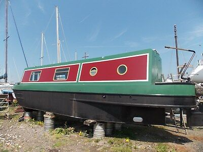 narrow boat canal barge