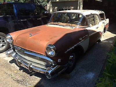 1957 Buick Special Estate Wagon (Pillarless)