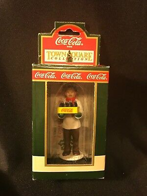 Vintage 1992 Coca Cola Town Square Collection 'Gil' the Grocer #7970 NIB