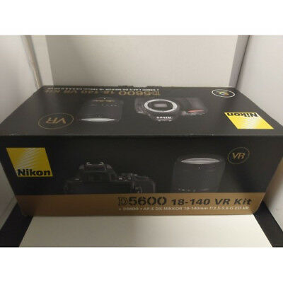 Nikon D5600 AF-S 18-140mm f/3.5-5.6G ED VR DX Kit Black Nuevo