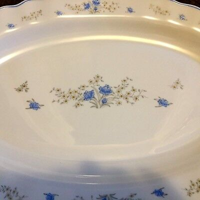 This pattern is The Romantique of Arcopal with its Pretty Blue Flowers, Daisies