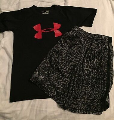 Boys Under Armour Outfit Youth Size Small EUC condition
