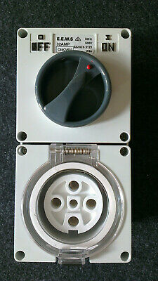 5 Pin 3 Phase 20A Amp Switched Socket Combination Outlet IP66 Weatherproof New.