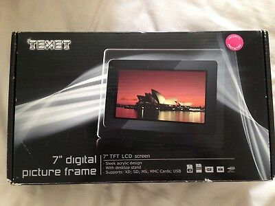7 inch digital picture frame- Brand New!!