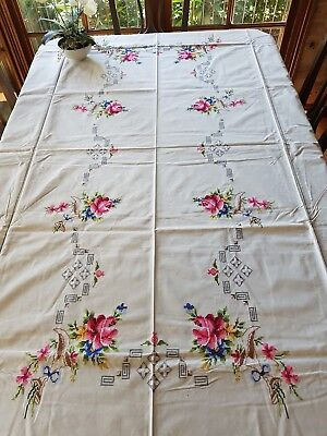 Vintage 1970 Cream Embroidered Roses TableCloth Needlelace 12 Napkins Never Used
