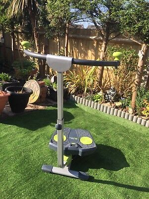Twist And Shape Exercise Machine Digital Read Out  Plus A Set Of Weights