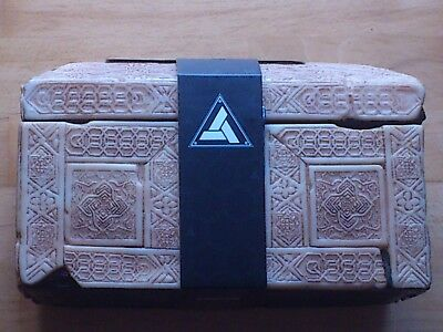 """Assassin's Creed movie - Chest and Apple of Eden"" (Truhe & Edenapfel) - Neu"