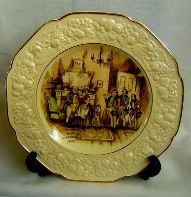 "Crown Ducal Florentine Embossed 10.5"" Bardell/pickwick Plate - A.l. Stanmore"