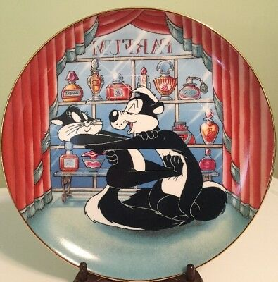 """Looney Tunes Porcelain Plate Pepe Lepew For Scent-Imental Reasons 1993 WB 8"""""""