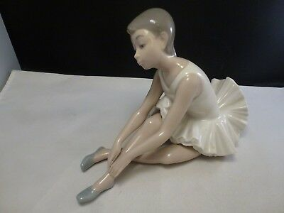 Vtg Nao By Lladro Seated Ballerina Stretching Porcelain Figurine #0151 Mint