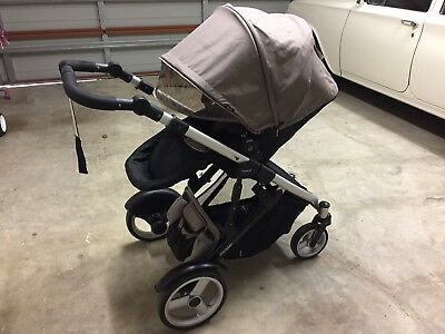 Steelcraft / Britax Strider Compact Pram and Bassinet plus Free OiOi Nappy Bag