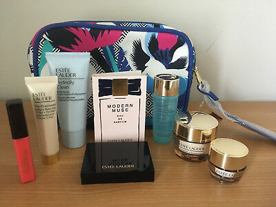 Estee Lauder Gift Set with Stylish Bag and 7 items plus sample perfume