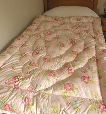 Vintage Feather Filled Eiderdown Paisley Roses Pinks Vgc