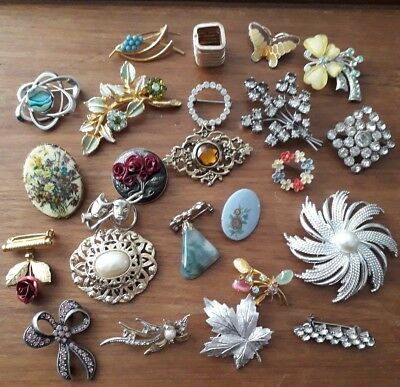 Vintage Jewellery Job Lot Collection of Brooches Broaches