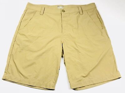 Mens Under Armour Hear Gear Casual Athletic Golf Flat Front Shorts Khaki Size 38