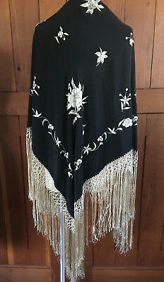 1920's SILK BLK & WHITE EMBROIDERED & FRINGED PIANO SHAWL ~ WRAP