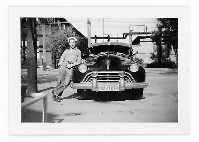 """1940s vintage photo - A MAN AND HIS CAR - A BEAUTIFUL THING 2 1/2"""" X 3 1/2"""" 274"""