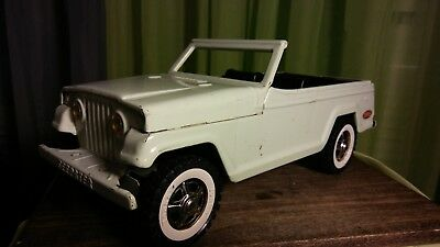 Vintage 1960s Tonka Pressed Steel White Jeep Jeepster Runabout w/Whitewall Tires