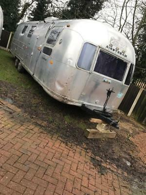 airstream land yacht sovereign caravan 28 ft long