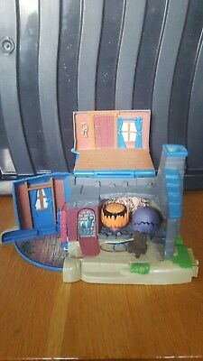 Harry Potter Miniature Micro Play Set - Hagrid's Hut Cottage - Polly Pocket