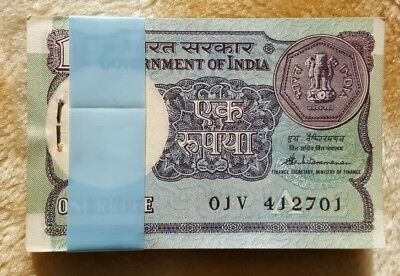 1 @ India Bank Note - Rupee One From From Unc Bundle  - 1989 S Benkitaramann
