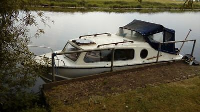 Cabin Cruiser 18 Feet Approx With 15 Hp Mercury 4 Stroke Engine And Trailer